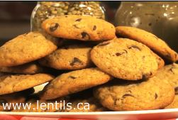 Chocolate chip cookies with lentil puree
